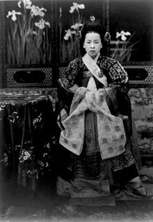 Empress Sunjeong of the Korean Empire (20 Aug 1894 - 3 Feb 1966) - Consort of Emperor Yunghui, the last emperor of the Joseon Dynasty and of Korea, she was born Lady Yun of Haepyeong in Seoul. Her father was Marquis Yun Taek-yeong, Lord of Haepung.