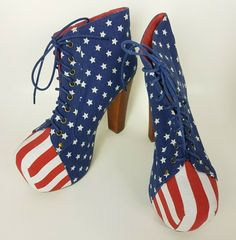 Condition: Pre Owned. In Great Condition. Oxford Platform, Silver Shoes, Jeffrey Campbell, American Flag, Open Toe, Heeled Boots, Lace Up, Stripes, Booty