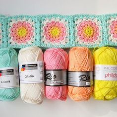 Color 'n Cream Crochet and Dream: Flower Square Tutorial II