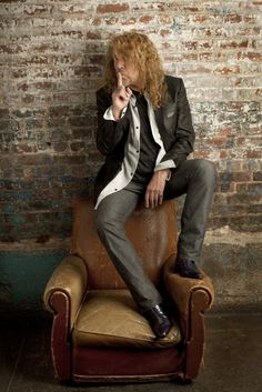 I need some Robert Plant in every area of my life, and he lives in Texas ...  http://custard-pie.com/