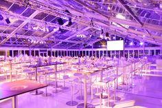 In diesem Bau mit Glasdach fand der Event zu einem Launch eines neuen Modells statt!