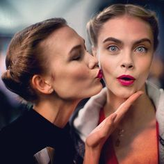 Karlie Kloss and Cara Delevingne backsage at Carolina Herrera #NYFW
