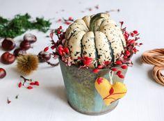 podzim_nahled Acorn, Planter Pots, Halloween, Fall, Florists, Crafts, Autumn, Manualidades, Tassel