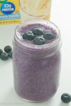 A fruity and protein packed Blueberry Chia Smoothie! Recipe on galonamission.com