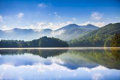Morning on Santeetlah Lake ... near Robbinsville, NC | by Laura Tidwell on Flickr