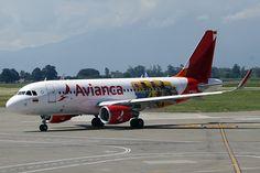 Airbus A319 de Avianca con colores de la selección Colombia de fútbol World Pictures, Airplane, Transportation, Aircraft, Bikini, Vehicles, Rare Cats, Cute Cars, Pilots
