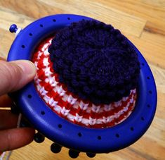 This pattern is designed for the 24-peg Knifty Knitter round loom.