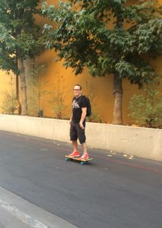 Clark Gregg, skateboarding to the Agents of SHIELD set. (I couldn't possibly love this dork more....)<<Totally