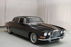 1966 Jaguar Mk10 sedan