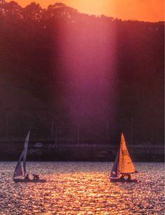 【本日のひと休み画像】コーヒーブレイクに「心のビタミン」を一粒(^-^)/  夕暮れのスポットライト  Evening at Hakata bay in Japan