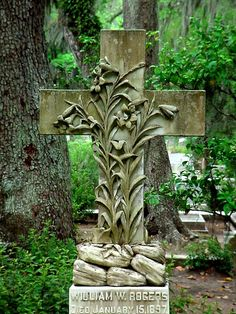 Bonaventure Cemetery cross - Wm W Rogers grave by Lynn (Gracie's mom), via Flickr