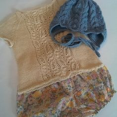 Stinne (@stinne_northernchild) | Kom så sommer! Glæder mig til, at Fie kan lufte sine bare lamselår i dette sæt #quinceandco #immietee #babyalpacasilk #ravelry #bloomers #guffragemmerne #poppyrose #liberty #doverandmadden #cloverearflaphat #hjemmestrik #knitforkids #knittersofinstagram #knit | Intagme - The Best Instagram Widget
