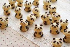 Panda Cookies, to cute to eat Yummy Treats, Delicious Desserts, Sweet Treats, Yummy Food, Cookie Recipes, Dessert Recipes, Snacks Für Party, Cookies Et Biscuits, Bear Cookies