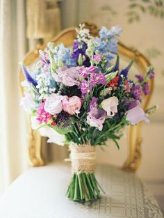 I like the way that this bouquet looks as if you have just picked the flowers and wrapped them into a bouquet.
