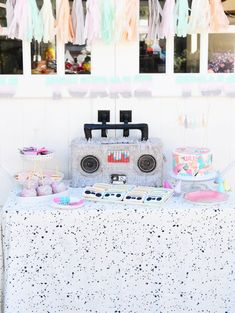 80s hip hop themed 2nd birthday party: http://www.stylemepretty.com/living/2016/10/19/its-a-toddlers-delight-with-this-80s-hip-hop-themed-2nd-birthday/ Photography: Emma Feil - http://www.emmafeilphotography.com/