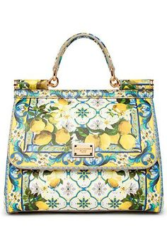 Best Women's Handbags & Bags : Dolce & Gabbana Luxury Bags Collection & More Details at Luxury & Vintage Madrid Source by irisheyesiris bag collection Purses And Handbags, Fashion Handbags, Fashion Bags, Dolce And Gabbana Handbags, Dolce Gabbana, Sacs Design, Balenciaga Handbags, Luxury Bags, Beautiful Bags
