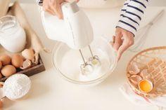 Olcsó és villámgyors bögrés sütemény receptek - PROAKTIVdirekt Életmód magazin és hírek Icing, Food, Essen, Meals, Yemek, Eten