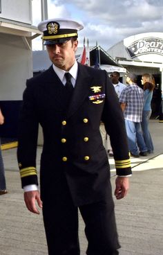 Military Dresses, Navy Military, Indian Navy Day, Us Navy Uniforms, Military Uniforms, Navy Marine, Alex O'loughlin, Men In Uniform, American Pride