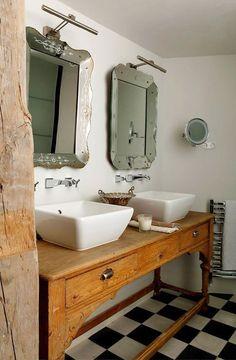 bathroom table vanities - country style console in rustic bath - Isabel Lopez-Quesada via Atticmag Reclaimed Wood Bathroom Vanity, Dresser Vanity Bathroom, Bathroom Table, Marble Bathroom Floor, Bathroom Vanity Designs, Bathroom Renos, Bathroom Interior Design, Bathroom Flooring, Master Bathroom