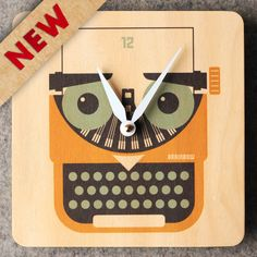 There is no doubt that we are in digital era.  But dont you feel like you want to go back to old style?  How about vintage typewriter instead of computer?  Thats how we created this pretty clock.  The color has retro feeling and we even combine owl together!  Size: 19cm x 19cm