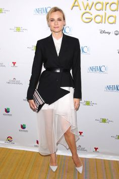 Celebrities Wearing White Shoes: Diane Kruger worked a black-and-white Theory ensemble featuring an asymmetrical sheer skirt and blazer, which she paired with complementary white pumps. Diane Kruger, Black And White Outfit, Black White, Divas, Estilo Glamour, White Pumps, White Shoes, Kate Bosworth, Fashion Articles