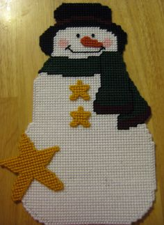 COMPLETED HANDMADE PLASTIC CANVAS SNOWMAN/STARS CHRISTMAS HOLIDAY WALL HANGING