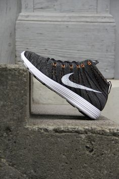 best service 7d7f8 41401 Nike Lunar Flyknit Chukka  Midnight Fog Total Orange Nike Heels, New Nike  Shoes,