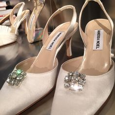 Very Last minute shoe selection by our amazing NY Congress Woman Carolyn Maloney to be worn at the Met Gala tonight. She chose my shoe called Gatsby, a sling back, in a light silver satin with SWAROVSKI stones on the toe box.So many of our shoes will be attending the Ball this year. Hope they all have tons of glamorous fun! #metgala #shoes #fashion #manusxmachina #met #vogue #annawintour #nyc #image #celebrity #congresswoman #carolynmaloney #metball2016 #designer #designerfashion…