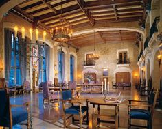 Styled after a Scottish Baronial Castle, The Fairmont Banff Springs hotel, a National Historical Site, is located in the heart of Banff National Park. Truly feel like a VIP when you book with Travel with Terra and get these Exclusive Terra Perks **Full Breakfast for two daily, $100 Spa credit, per room, per stay towards a 90 Minute Massage or Facial or Body Treatment & Complimentary basic internet.