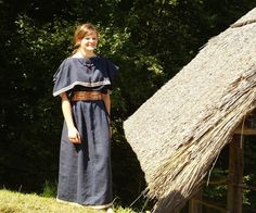 Celtic outfit (Hallstatt period) with peplos-style dress