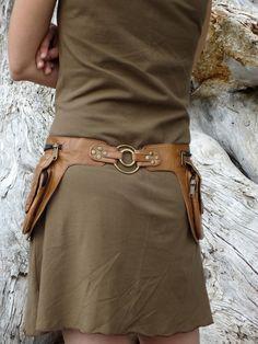 Leilamos  |  Festival, double-ring, tan leather utility pocket belt.