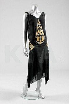 1925 Dress by Madeleine Vionnet, via omgthatdress.
