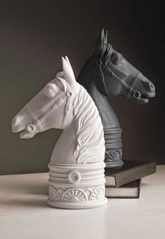 ~ Living a Beautiful Life ~ Cottage Charm ~ black and white horse sculptural pieces♡ Office Wall Design, Vintage Bookshelf, Equestrian Chic, Table Top Design, Horse Sculpture, Decorative Objects, Decorative Accents, Interior Styling, Home Accessories