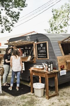 caravan bar 645703665312721878 - The Found Cottage Mercantile Market 2018 Source by Food Trucks, Foodtrucks Ideas, Boutique Patisserie, Coffee Food Truck, The Found Cottage, Mobile Coffee Shop, Coffee Trailer, Coffee Van, Iced Coffee