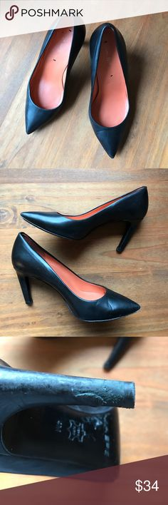 Via Spiga black patent leather classic heel, 4 Classy, classic every day heel. Perfect for your capsule wardrobe! Signs of wear as seen above. For the Petite woman with small feet. Via Spiga Shoes Heels