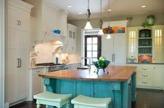 butcher+block+top+with+white+cabinet+kitchen+island | Turquoise island with white cabinets. Butcher block top?