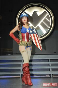 1940 s Female Captain America at the Marvel Costume Female Captain America  Costume 61ccfc17f
