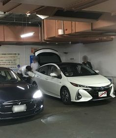 Meanwhile in Japan ... The Prius PHEV (Prius Prime) undergoing charging testing ??!! Location at a charging station in Hibiya Tokyo.  Photo courtesy of EVsmart Japan. #evsmart #toyota #toyotajapan #letsgoplaces #letsgoeverywhere #prius #priusprime #tokyo #hibiya #phev #hybrid #electricvehicle #altfuel #chargingstation #プリウス #priuschat by priuschat