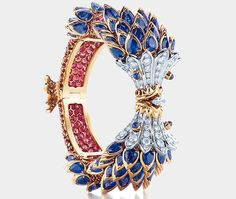 Fish bracelet with sapphires, red spinels and diamonds in platinum and 18 karat gold by Jean Schlumberger for Tiffany & Co., from the 2013 Blue Book Collection.