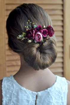 Burgundy Gold floral hair clip Burgundy Flower hair piece flowers clip pink burgundy head piece Bridal clip roses Burgundy wedding Ready to ship Perfect for romantic wedding, boho and rustic styles, photo shoots. Easily slips into hair with alligator metal clip at the back. And it can be a wonderful gift in the gift box. materials: - fabric flowers - pearls - floral tape - wire - my love Thank you for visiting Please visit my other items. I hope you will find something special and beaut...