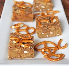 Salted Caramel Blondies are made with caramel sauce and crushed pretzels to provide a delightfully sweet and salty dessert! Salted Caramel Blondies Recipe, Muffins, Fall Baking, Sweet And Salty, Dessert Recipes, Desserts, Sugar And Spice, Treats, Pretzels
