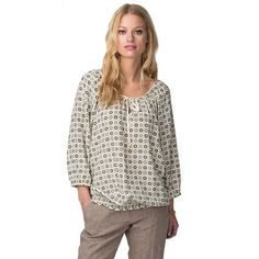 Eye-catching summer essential. Gorgeous silk blouse with print pattern. Deep crew neck with small V-cut out, tie strings with branded ends at the centre. 3/4-length balloon sleeves. Shirred cuffs and bottom hem. br/br/Our model is 1,76m tall and is wearing a size S Tommy Hilfiger blouse.