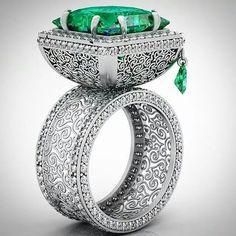 18k-yellow-gold-diamond-emerald-ring