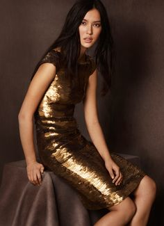 Burberry Shanghai Capsule Collection 2014: Burberry Goes for Gold with Exclusive Kerry Centre Collection