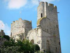 Bourbon-l'Archambault: Vestiges de la forteresse médiévale des ducs de Bourbon (château de Bourbon-l'Archambault) ; dans le Bocage bourbonnais - France-Voyage.com