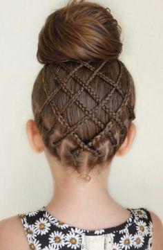 Braided criss cross bun updo hairstyle idea @mimiamissari