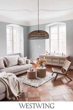The Westwing mission is to inspire and make every home a beautiful home. Living Room Designs, Living Room Decor, Bedroom Decor, Home Living, Living Spaces, Ideas Para Organizar, Home Furniture, Kitchen Decor, Family Room