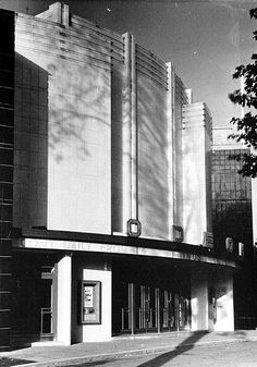 Used to go to Saturday morning children's films here in the '60s. Odeon Cinema: Muswell Hill, 1936.