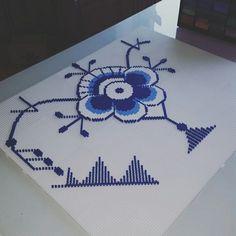 #royalcopenhagen #megamussel #megariflet #musselmalet #danishdesign #danish #design #danmark #denmark #timeless #endelafdanmark #kongeligehoflevenradør #royalcopenhagen #royal #copenhagen #hobby #kreativitet #inspiration #hama #picture_to_keep #hamaperler #beads #pattern #paddysperler #inprocess #follow4follow #followmypage @paddys_perler