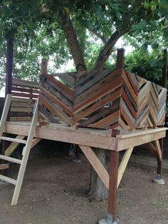 Fun DIY tree house, by suchity such